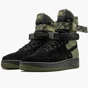 Men's Nike AF1's military edition Sz 8.5